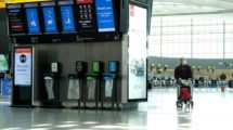 Interior de la T5 del aeropuerto Londres heathrow.
