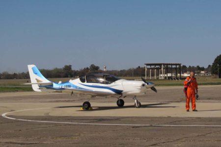 El demostrador tecnológico del IA-100 Malvina tras su primer vuelo en agosto de 2016.