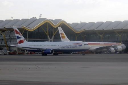 Aviones de IAG en Barajas