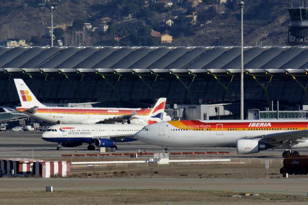 Aviones de IAG en el aeropuerto de Madrid Barajas