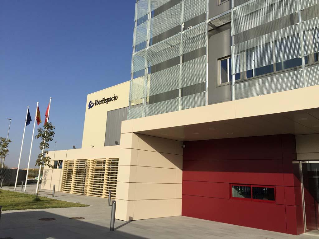 Edificio que alberga las nuevas instalaciones de IberEspacio en Torrejón de Ardoz.