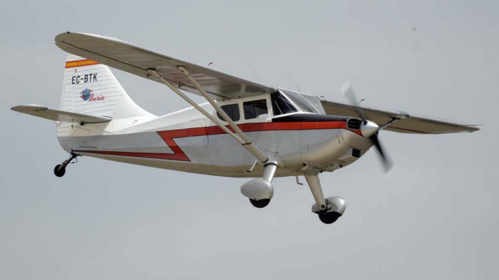 La FIO tiene dos aviones decorados de Iberia. Uno es este Stinson Voyager delq ue Iberia tuvo ocho en su escuela de pilotos.