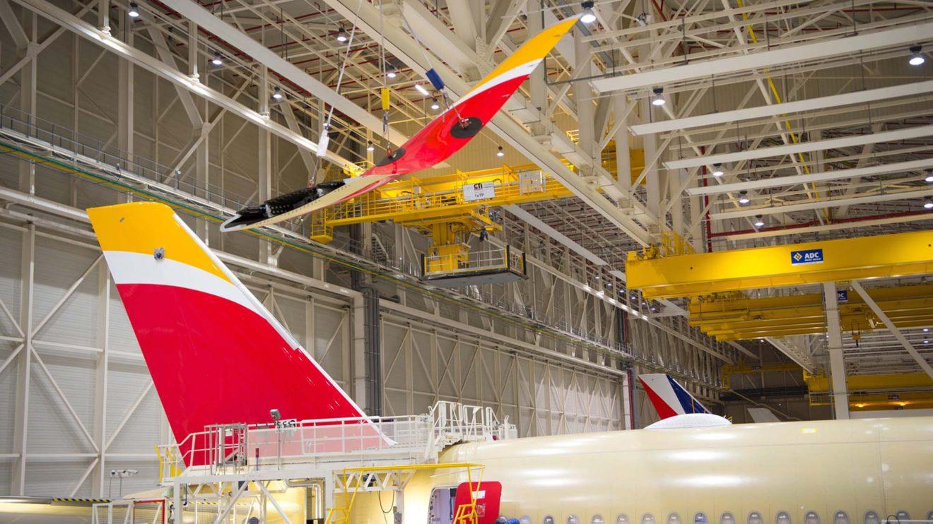Los sharklets se instalan poco antes de que el avión abandone el hangar de montaje para evitar que se dañen.