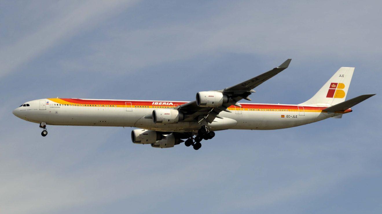El EC-JLE, el último A340 operativo de Iberia cuando todavía lucía sus colores originales.