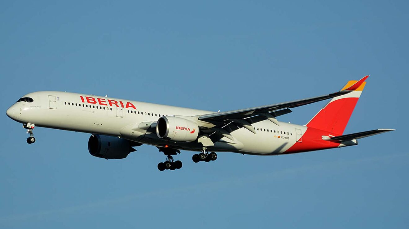 El A350, será la base del largo radio de Iberia en los próximos años.