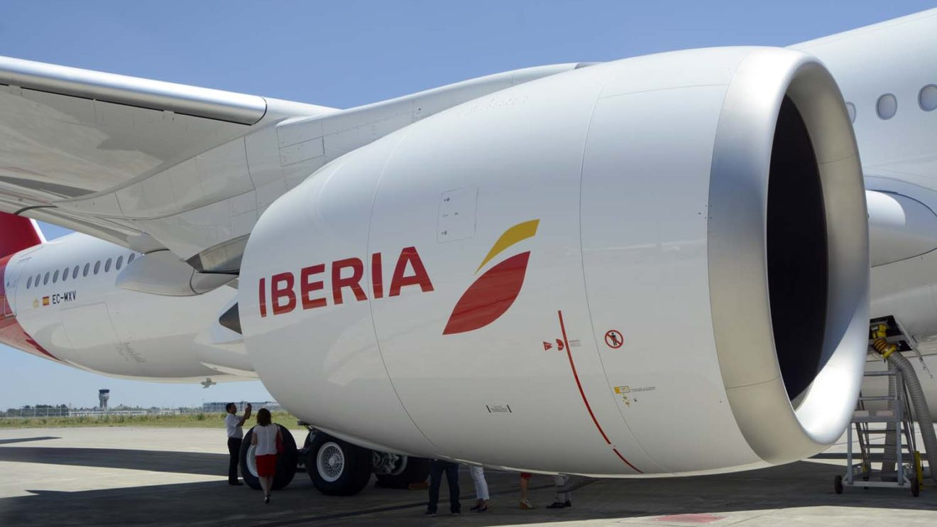 Cada motor del A350 ofrece hasta 38.100 kg de empuje.