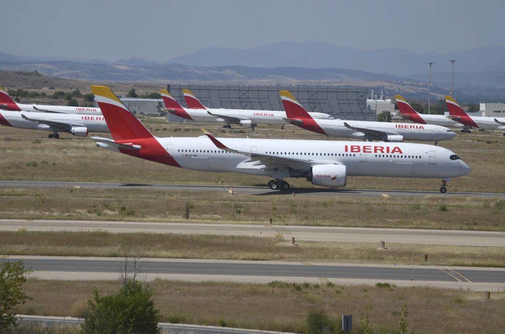vAviones de largo radio de Iberia parados en Madrid en los primeros meses de la pandemia.