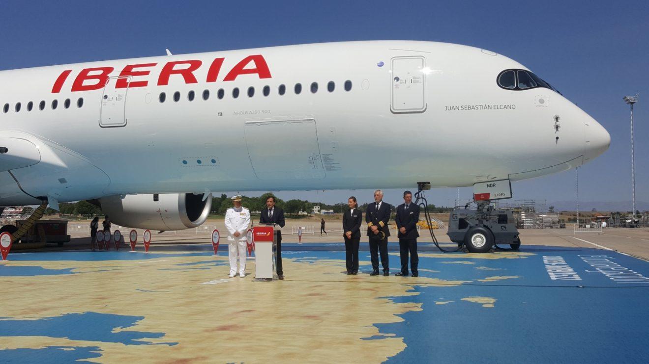 Ceremonia de bautismo del Airbus A350 EC-NDR Juan Sebastián Elcano de Iberia.