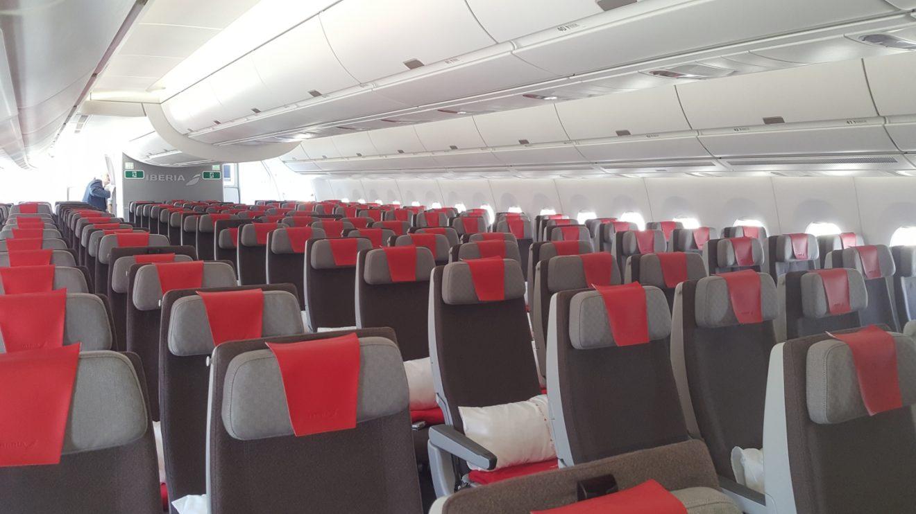 Asientos de clase turista del Airbus A350 Juan Sebastián Elcano.