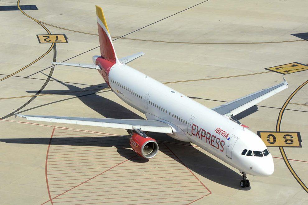 Iberia Express, ofertas de vuelos, vuelos baratos, vuelos a Canarias, vuelos a Baleares, vuelos a España