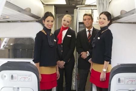Los nuevos uniformes de Iberia Express diseñados por El Ganso.