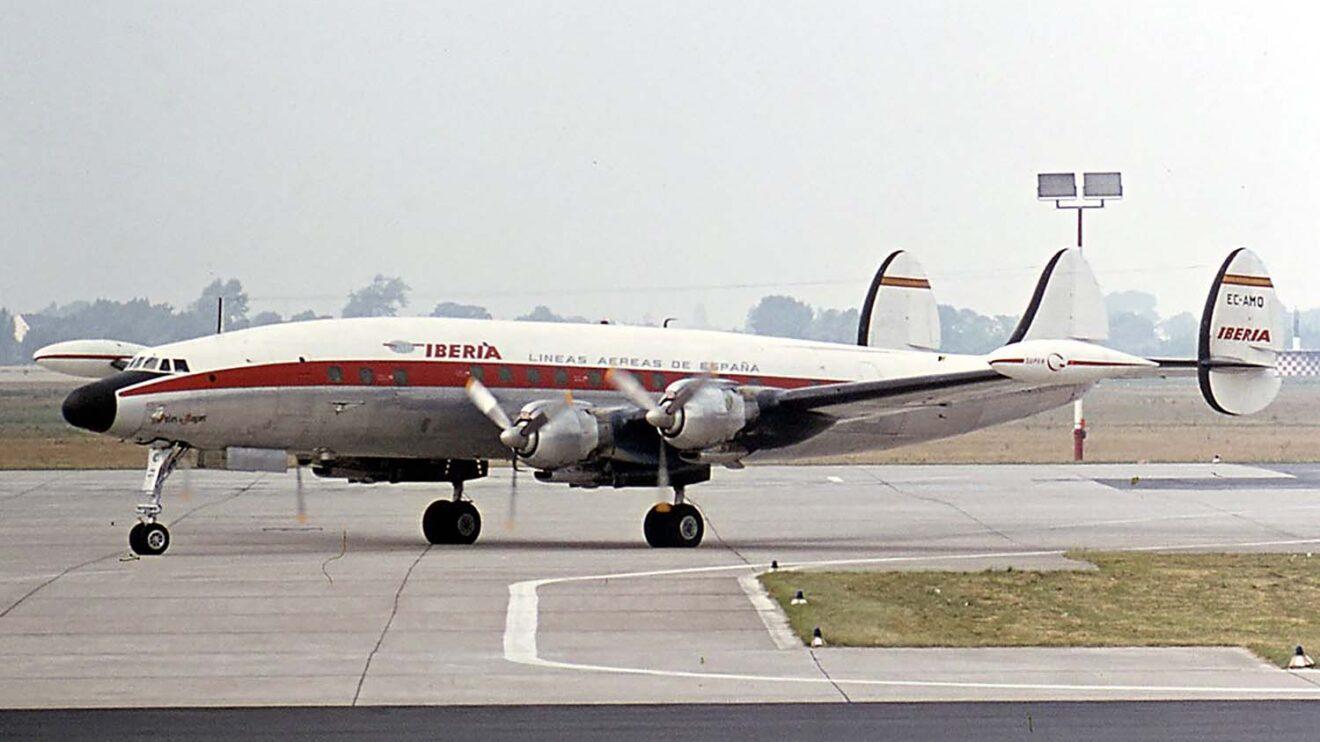 El Lockheed L-1049 era llamado el trimotor más seguro del mundo por la tendencia a fallar en vuelo los motores.