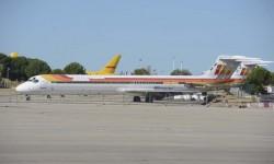Tras su retirada de servicio por Iberia un importante número de estos MD-88 fueron vendidos pero su nuevo dueño los abandonó en Barajas.