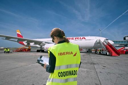 Iberia contratará a mujeres en peligro de exclusión social y víctimas de violencia de género.