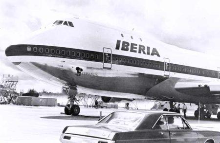 El EC-BRO, Cervantes. El primer Boeing 747 de iberia poco antes de su entrega.