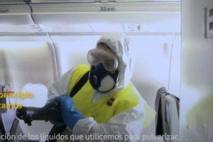 Nuevos equipos para lograr una limpieza y desinfección aún mayor en los aviones de Iberia frente al COVID-19.