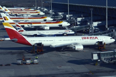 Aviones de Iberia y British Airways en Barajas