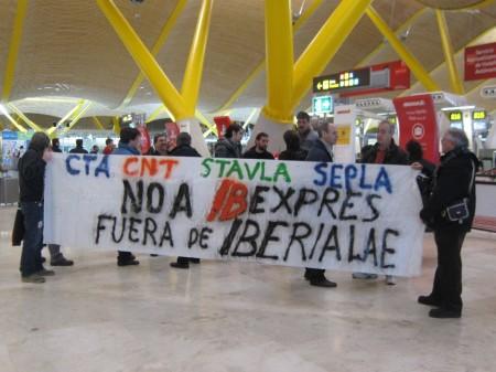 Protesta de los empelados de Iberia en la T4