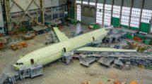 El primer Ilyushin Il-96-400M en la cadena de montaje