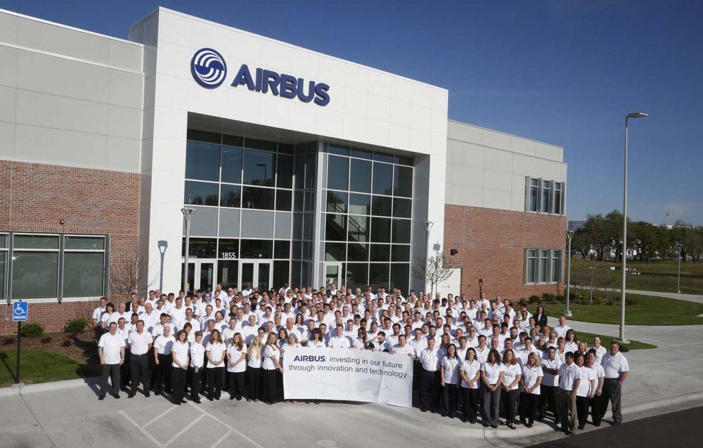 Inauguración en 2017 del centro de ingeniería e innovación de Airbus en Wichita (Kansas, EE.UU.).