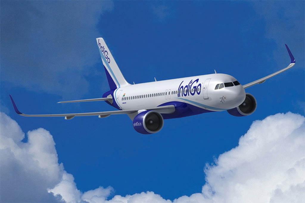 Airbus A320neo con colores de IndiGo.