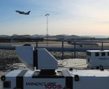 Instalación LIDAR en un aeropuerto para la detección de wind shear.