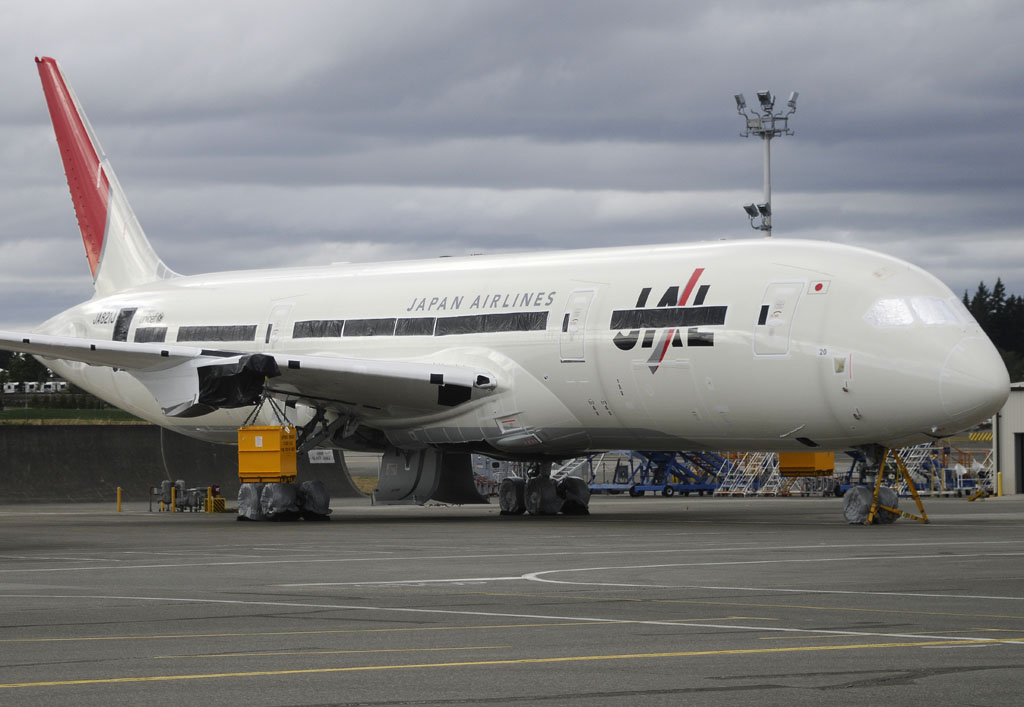 JAL001
