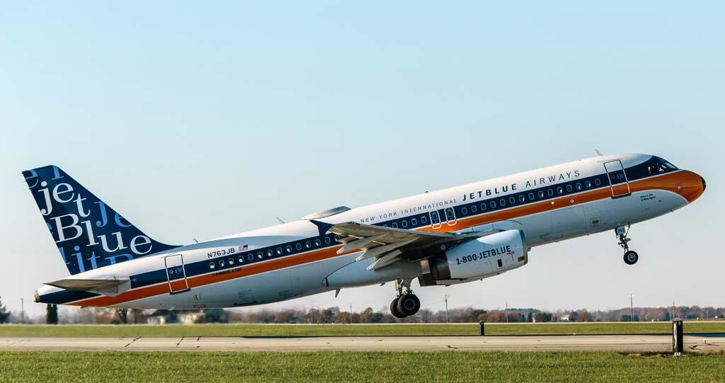 JetBlue utiliza una decena de decoraciones diferentes en las colas de sus Airbus A320 y Embraer E190 además de siete especiales (en los A320) y otra diferente para sus A321, y ahora suma este retro.