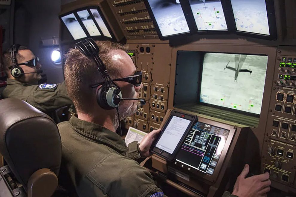 Simulador de la consola de repostaje del Boeing KC-46.