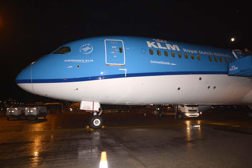 KLM dará nombres de flores a sus Boeing 787. Este primero en llegar a Holanda se llama Zonneblodem (Girasol)