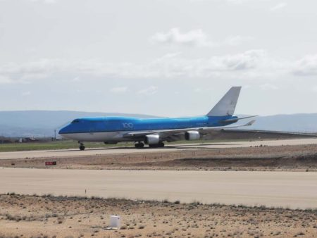 Llegada a Teruel del Boeing 747-400 PH-BFF de KLM para su desguace.