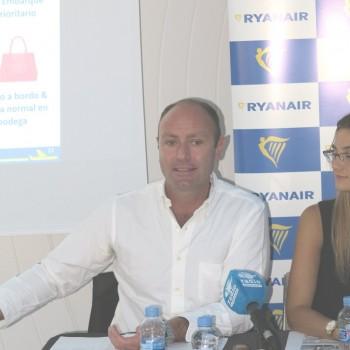 Kenny Jacobs, director de marketing de Ryanair ha sido el encargado de anunciar los nuevos vuelos de la compañía desde Madrid  para el verano de 2018.