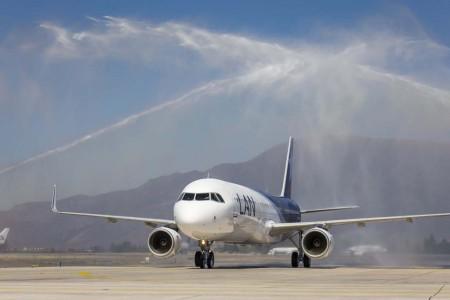 Desde Airbus señalan que desde 1990 han logrado el 63 por ciento de las ventas de aviones comerciales en Latinoamércia y el Caribe y que actualmente el 53 de los aviones en servicio en la región son Airbus.
