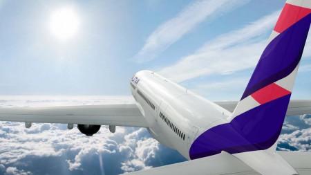 """""""LATAM representa para Qatar Airways una gran oportunidad para invertir, apoyar y desarrollar una relación a largo plazo. Como aerolínea líder de Latinoamérica y miembro de oneworld"""": Akbar Al Baker, CEO de Qatar Airways al anunciar la compra del 10 por ciento de LATAM."""