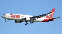 Boeing 767 de LATAM con los colores de TAM.