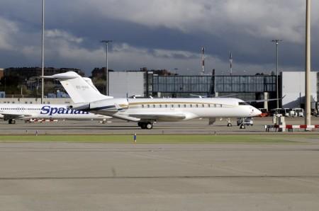 Avión ejecutivo en Barajas