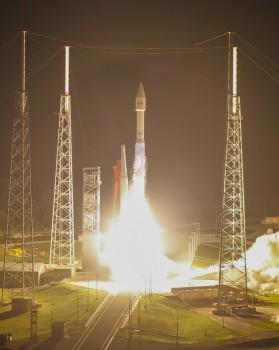 Lanzamiento del Morelos 3 mediante un cohete Atlas V.