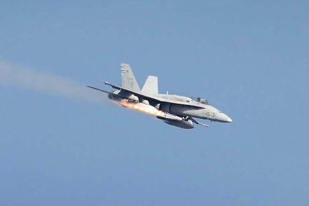 Disparo de un AGM-65G Maverick por un F/A-18 del Ala 15.
