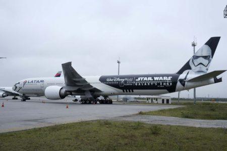 El Boeing 777 de Star Wars comenzará de inmediato a operar en las rutas de largo nradio de LATAM desde Sao Paulo.