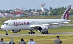 Llegada a Le Bourget del A350 de Qatar Airways.