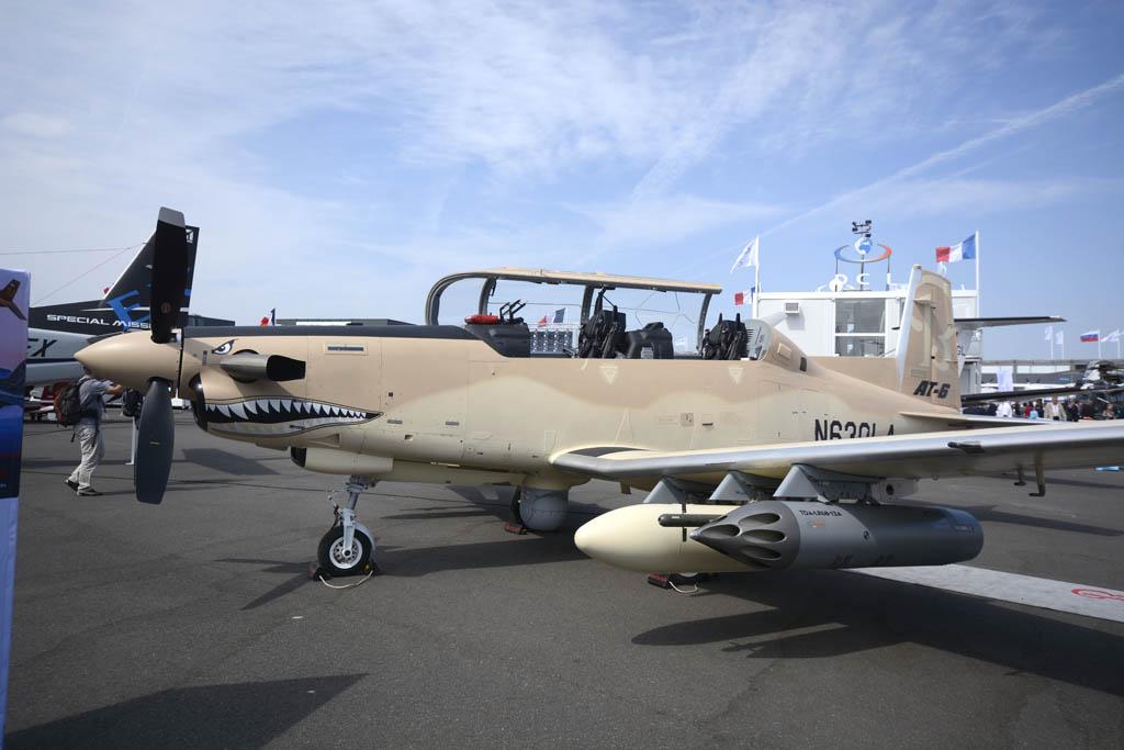El AT-6, versión COIN del entrenador T-6 Texan II.