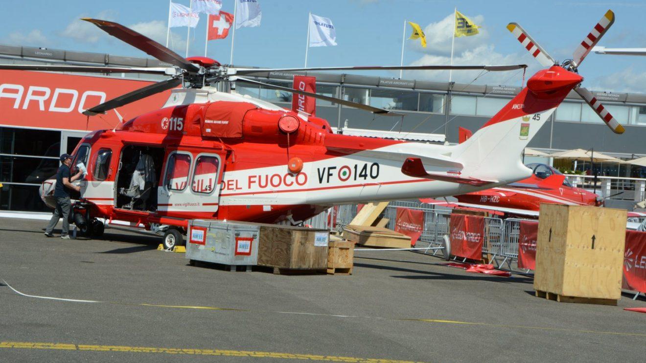 Leonardo AW139 para extinciñon de incendios en Italia.