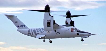 El tercer prototipo del AW609 durante uno de sus vuelos de prueba.
