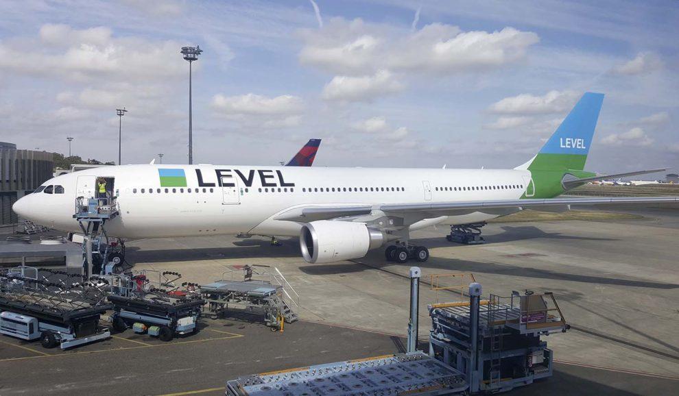En octubre Level Francia puso en servicipo su tercer Airbus A330-200 que le fue entregado el 27 de septiembre.