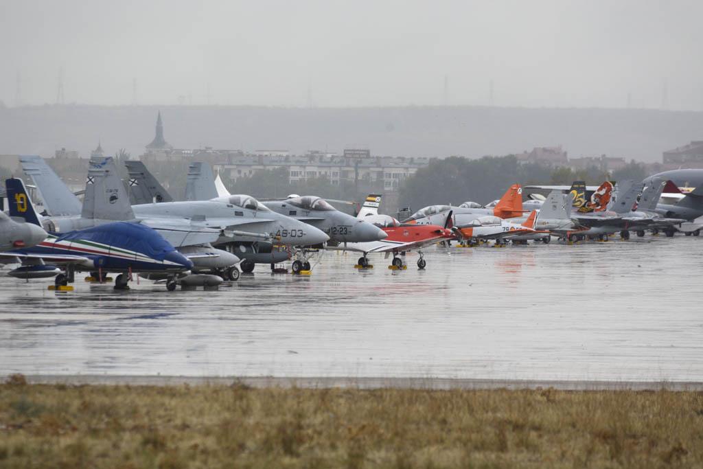 Aviones en la base aérea de Torrejón en Aire 75