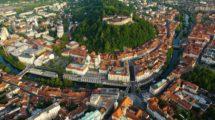 Liubliana y su castillo que data del siglo XII.
