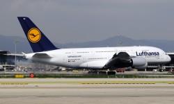 Quemando ruedas al contactar con la pista 07L de Barcelona.
