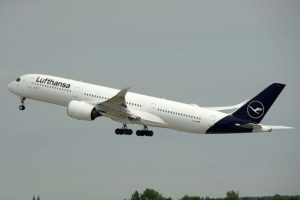Entre los vuelos que cancelará Lufthansa estarán los que unen Munich con Estados Unidos.