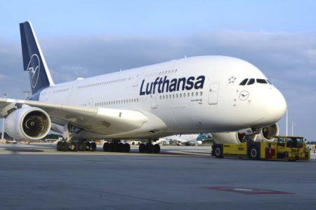 El Airbus A380 D-AIMG en el aeropuerto de Munich unos meses antes de ser llevado a Teruel.