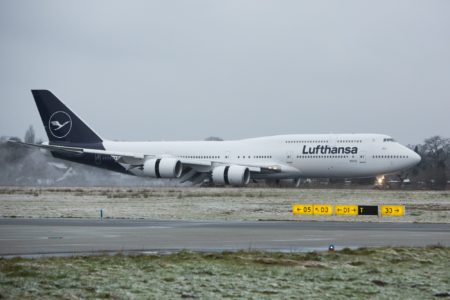 Los cielos nublados son uno de los enemigos del azul oscuro C20206 como se denomina técnicamente el nuevo azul Lufthansa.